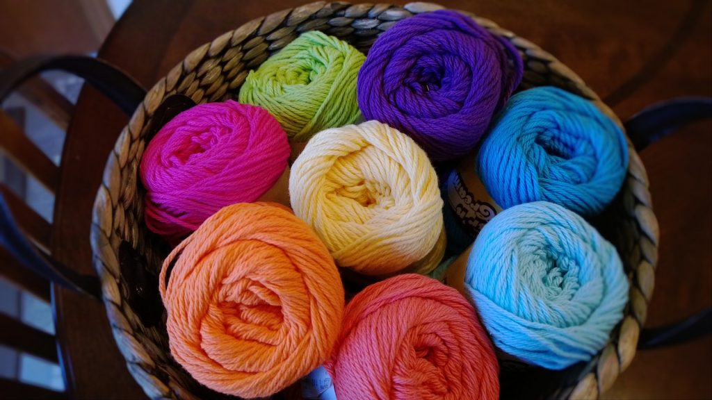 Link to website Darn Good Yarn. Gift ideas for artists.